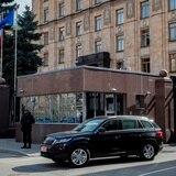 Rusia expulsa a 20 diplomáticos checos en represalia a decisión de Praga