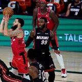 Con 37 puntos de VanVleet, Raptor triunfan sobre el Heat