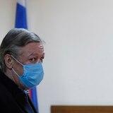 Sentencian a 8 años de prisión a actor ruso por homicidio conduciendo borracho