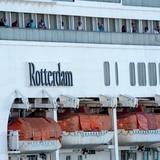 Crucero navega hacia Bahamas con pasajeros no repatriados