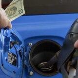 La gasolina tiene que estar hoy entre .54 y .64 centavos el litro