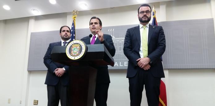 Durante una rueda de prensa en el teatrito de La Fortaleza, el gobernador dijo desconocer si la JSF hará mañana el anuncio de reducción de jornada. (david.villafane@gfrmedia.com)