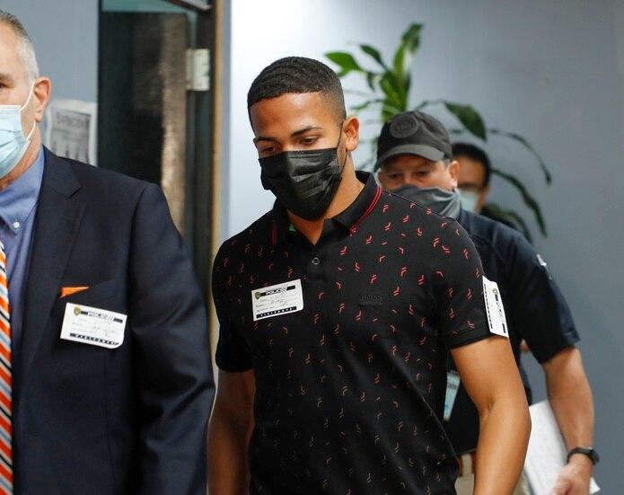 Félix Verdejo en su llegada a las oficinas del Cuerpo de Investigaciones Criminales en San Juan el pasado 30 de abril.