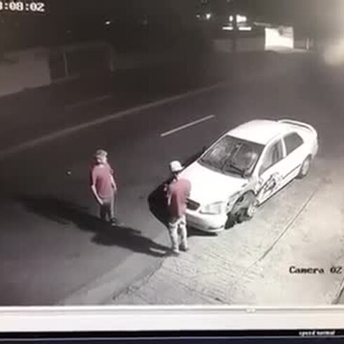 Policía busca a dúo por robo de auto en Caguas