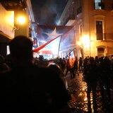 Manifestación contra el gobierno culmina con gases lacrimógenos