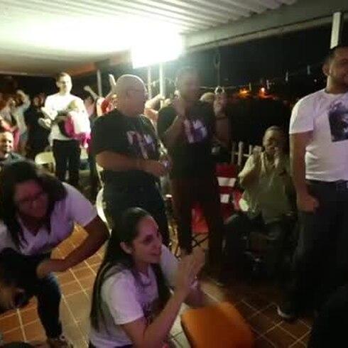 Familiares celebran el triunfo de Yazaira López
