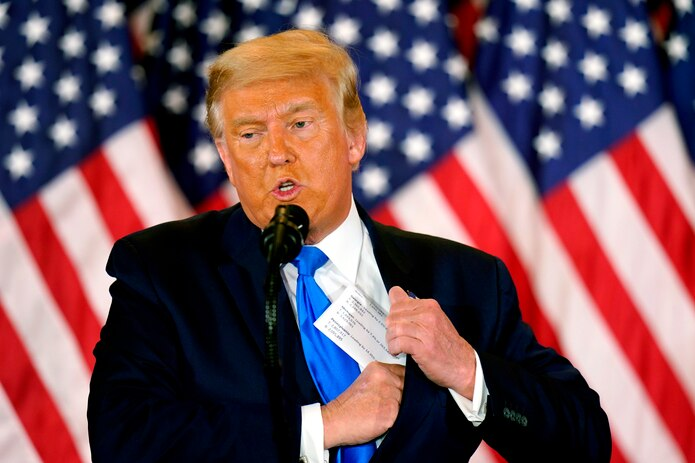 US President Donald J. Trump speaks on the election night at an event at the White House in Washington, DC, USA EFE / EPA / CHRIS KLEPONIS / File