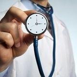 Si tienes síntomas de ataque cardíaco o derrame cerebral, ¡no esperes más de 5 minutos!