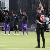 MLS reanuda la temporada con protesta contra el racismo