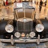 Plaza Las Américas presenta exhibición de autos ingleses