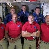 Astronautas en cápsula de SpaceX llegan a la Estación Espacial Internacional