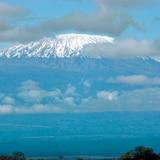 El incendio en el Kilimanjaro está controlado pero los bomberos siguen alerta