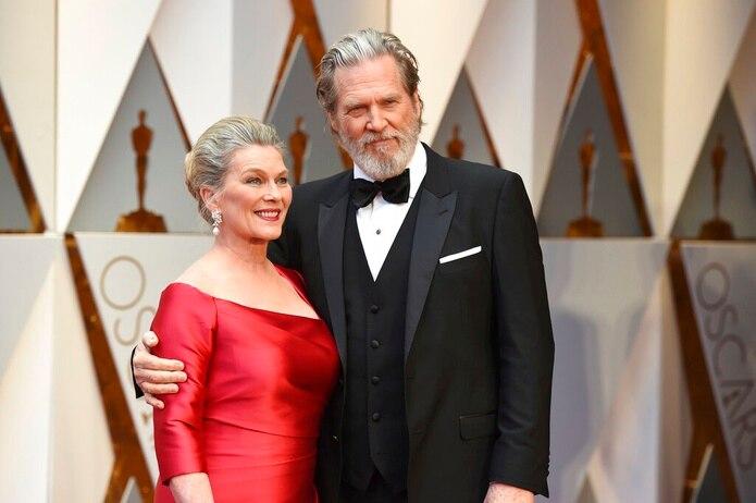 Jeff Bridges junto con su esposa Susan Geston en los premios Oscar del 26 de febrero de 2017 en Los Ángeles.