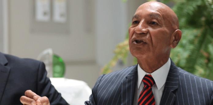 El alcalde Carlos Méndez, el municipio y la Legislatura Municipal, son los demandados. (ARCHIVO)