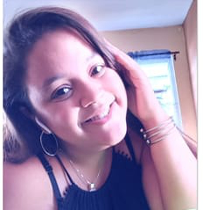 Kelaya Figueroa Robles, de 17 años, fue reportada desaparecida por su progenitora, quien notificó que a eso de las 6:00 p.m. su hija salió de su residencia en el barrio Dominguito, en Arecibo, en un automóvil color gris.