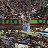 Aumenta a 431 la cifra de muertos por tsunami en Indonesia