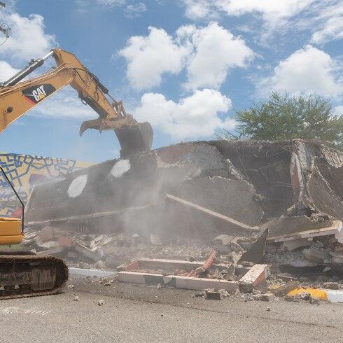 Demolición de casas en Guánica tras el terremoto