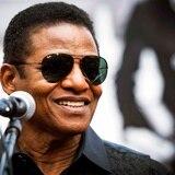 The Jacksons retoman su música con mensajes de unidad