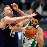 Los Celtics frenaron al equipo más caliente de la NBA