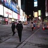 Broadway seguirá apagado por el resto del año