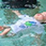 Enseñando a los pequeños a sobrevivir en el agua