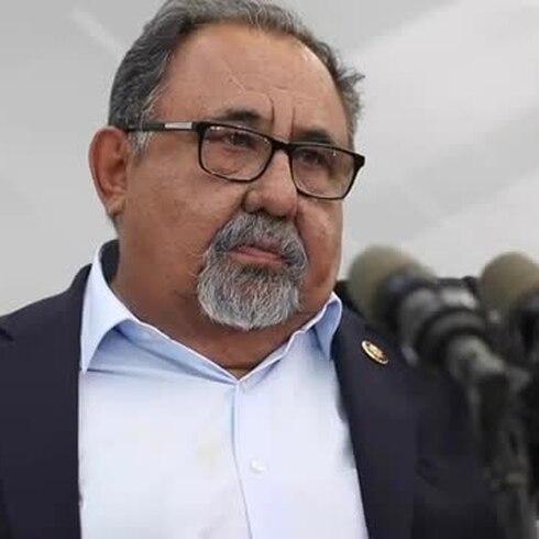 Lo que Raúl Grijalva discutió con la gobernadora en La Fortaleza