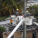 Restauran el servicio eléctrico a más de 60,000 clientes de la AEE