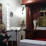 Terremoto sorprende a sacerdote de Ponce en medio de rito religioso en vivo por Facebook