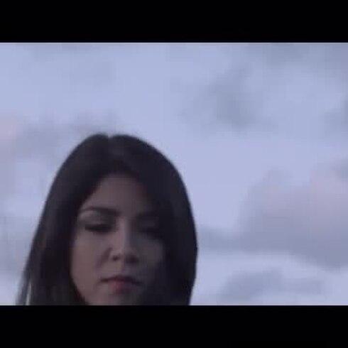 """UNNA estrena su nuevo vídeo """"Necesito"""""""