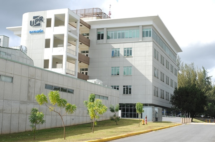 """Con este acuerdo para impulsar la enseñanza bajo """"desing thinking"""", los estudiantes escolares podrán visitar la UPR en Bayamón e intercambiar sus intereses educativos."""