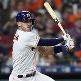 Los Astros han considerado cambiar a Correa