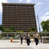 """Edificios Públicos dice que tiene un """"agresivo plan de cobro"""" para millonaria deuda por renta a agencias"""