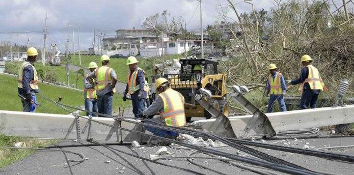 El sistema eléctrico colapsó tras el paso del huracán María y los trabajos demoraron casi nueve meses en completarse. (Archivo)