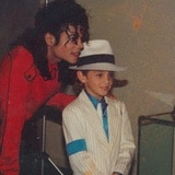 Defienden a Michael Jackson de documental sobre abuso a menores